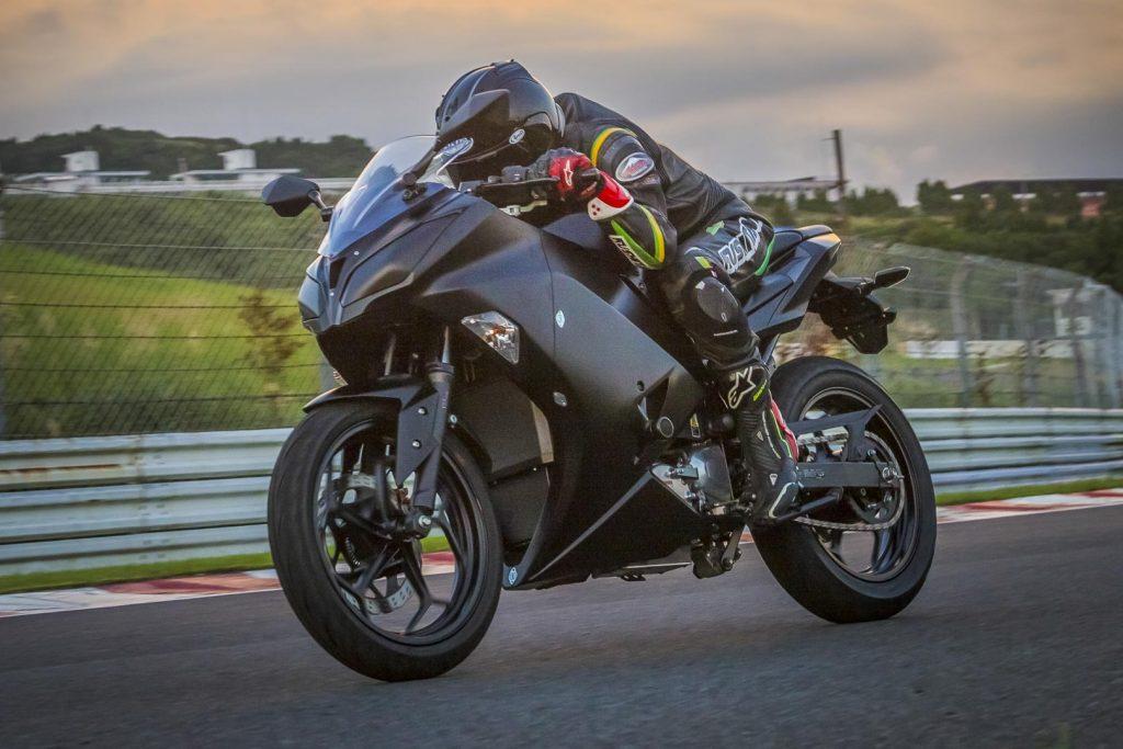 Kawasaki-Electric-Motorcycle-First-Look-EV-sportbike drive